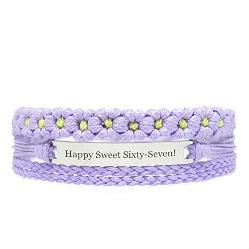 Miiras Geburtstag graviertes handgemachtes Armband - Happy Sweet Sixty-Seven! - Lila FL - Geschenk für Frauen, Mädchen, Freunde, Mütter, Töchter, Tanten, die Siebenundsechzig Jahre alt sind