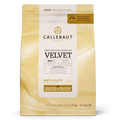 CALLEBAUT Velvet - Kuvertüre Callets, Weiße Schokolade, Geschmack von frischer Milch, 33,1{54224fc17d2c3816b4546f3ead2582d770a08b379f917a9e2f1303130a245101} Kakao, 1 x 2500 G