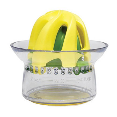 lemon juicer sur la table - 8