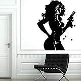xinyouzhihi Mädchen Wandtattoo Für Schlafzimmer Nackte Frau Weiblich Mit Pistole Waffe Vinyl Wandaufkleber Für Wohnzimmer Sel 75x97 cm