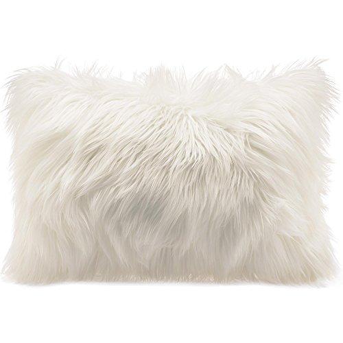 CelinaTex Cuddly Dekokissen 40 x 60 cm weiß Langhaar Zierkissen dekoratives Fellimitat Nicki Sofakissen Kunstfell Kissen