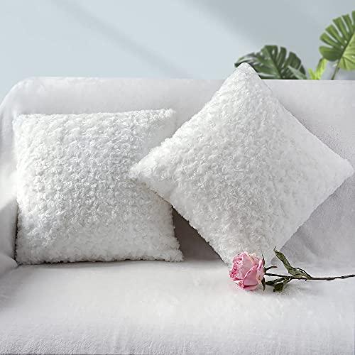 Fittia Funda de cojín de piel sintética ultra suave 3D decorativa romántica flor de rosa funda de almohada para sofá, dormitorio, sala de estar, blanco, 45 x 45 cm, 2 unidades