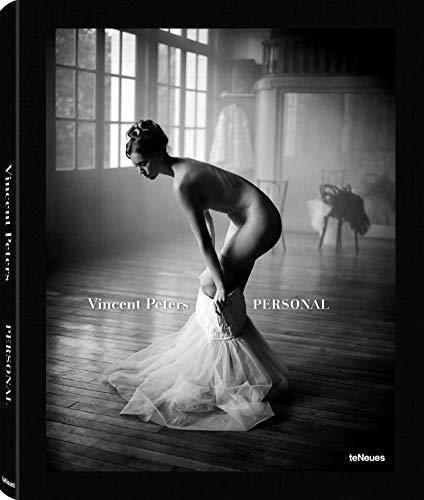 Vincent Peters: Personal. Für seinen zweiten Bildband öffnet einer der meistbeschäftigten Modefotografen sein Archiv vielfach unveröffentlichter ... - 28.5 x 34 cm, 240 Seiten (PHOTOGRAPHY)