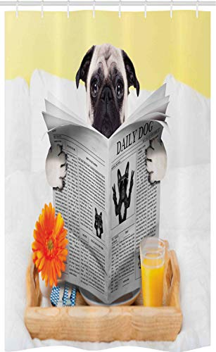 ABAKUHAUS Mops Schmaler Duschvorhang, Mops, der Nachrichten-täglichen H& liest, Badezimmer Deko Set aus Stoff mit Haken, 120 x 180 cm, Hellbraun Orange Gelb