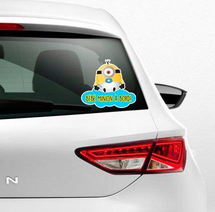 Autocollant couleur Sticker adhésif bébé minion à bord !par Kdosublim
