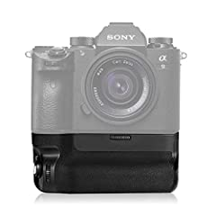 【Compatibility】Compatible with Sony A9 A7III A7RIII Cameras as VG-C3EM. 【Vertical Shooting】Built-in vertical-grip shutter-release button, front and rear dials, AF-ON button, AE-L button, Multi-selector,give same feeling as horizontal shooting, suitab...