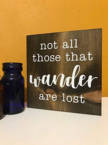 Placa de madera para colgar con texto en inglés «Not all those that wander are lost», letrero rústico de campista, letrero de remolque de viaje, cartel de camping decoración del hogar porche