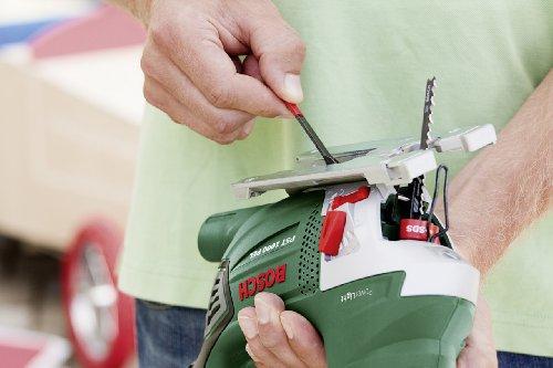 Scie sauteuse finaire Bosch - PST 1000 PEL (650W, coupe 100mm, avec patin de glissement, butée paralèle, pare-éclats transparent, CutControl, coffret, 6 lames)