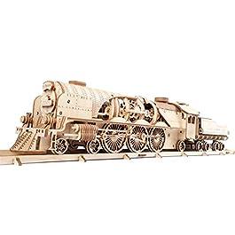 UGEARS Modello di Treno in Legno 3D – Locomotiva, Tender, Binari – Meccanico Puzzle per