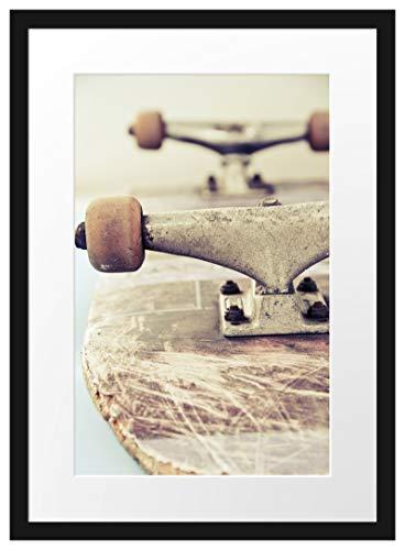 Picati Skateboard schwarz weiß Bilderrahmen mit Galerie-Passepartout/Format: 55x40cm / garahmt/hochwertige Leinwandbild Alternative