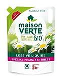 MAISON VERTE - Lessive Liquide Eco-Pack aux Huiles Essentielles BIO | Fraîcheur d'Été | Hypoallergénique | Efficace dès 30° sur Blanc et Couleurs | Format Recharge Refermable | 30 Lavages | 1,8L