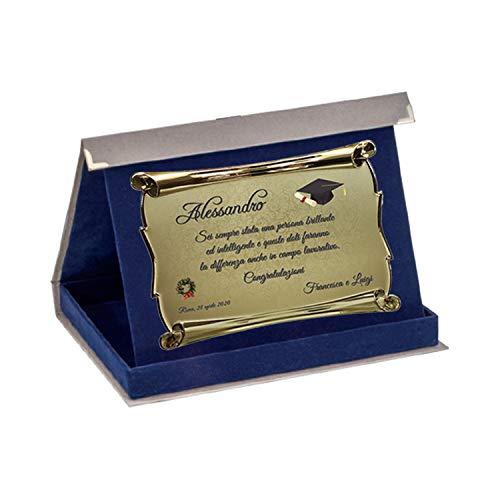 tecnocoppe Regalo di Laurea Cappello Tocco Corona Alloro Targa in Alluminio Forma Pergamena con Stampa Personalizzata 18x13 cm in Astuccio 23x19 cm
