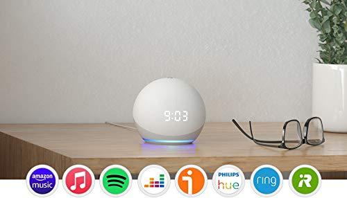 Nuevo Echo Dot (4. generacin) con reloj, Blanco + Amazon Smart Plug (enchufe inteligente WiFi), compatible con Alexa