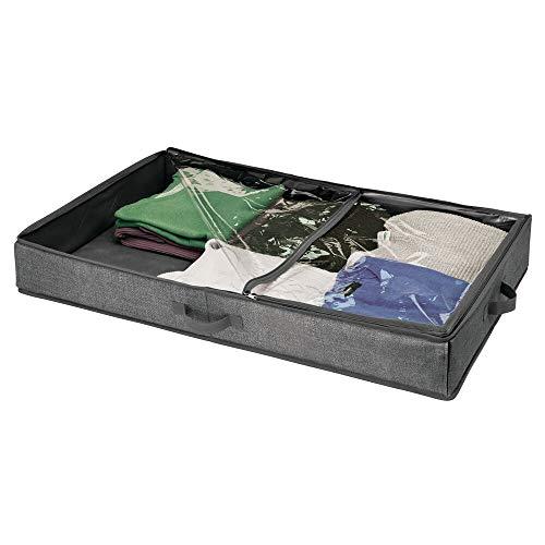 mDesign Unterbettkommode – Bettkasten mit durchsichtigem Deckel für Kleidung, Accessoires, Bettwäsche und mehr – Wäschesortierer für staubfreie Aufbewahrung unter dem Bett – dunkelgrau/durchsichtig