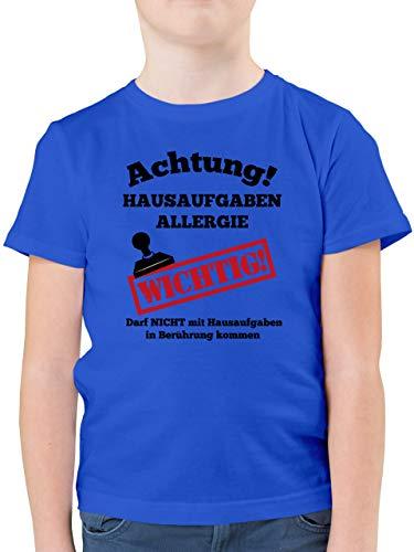 Einschulung und Schulanfang Geschenk - Achtung Hausaufgaben Allergie schwarz - 140 (9/11 Jahre) - Royalblau - Kurzarm - F130K - Kinder Tshirts und T-Shirt für Jungen