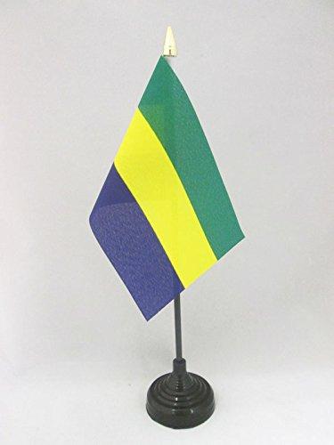 AZ FLAG TISCHFLAGGE GABUN 15x10cm goldene splitze - GABUNISCHE TISCHFAHNE 10 x 15 cm - flaggen