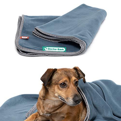 Doctor Bark | kuschelige Hundedecke waschbar bis 95°C, hygienische, weiche Fleecedecke für Sofa und Hundebett, Flauschige Haustierdecke - Made in Germany (M - 100x70 cm/Blaugrau)