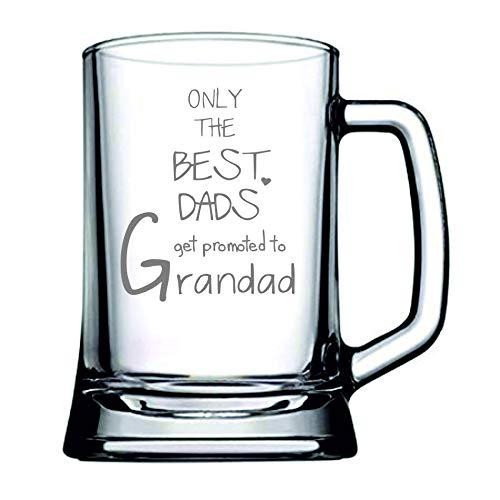 "Boccale da birra da 1 pinta con scritta in inglese ""Only the best dads get promoted to grandad"""