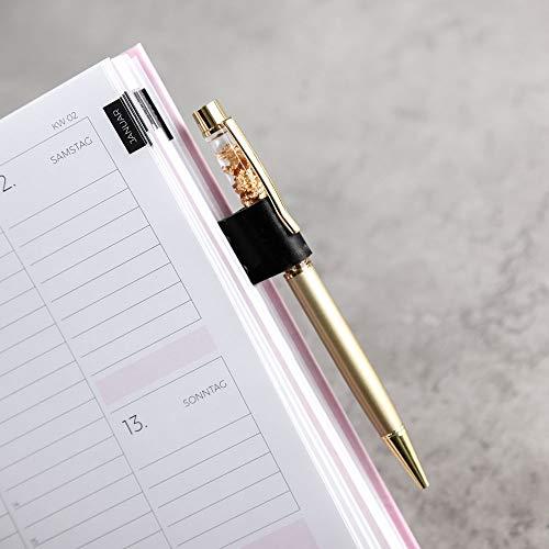 Stifthalter mit Klemmfunktion aus goldenem Metall mit Lederhalterung passend für Terminkalender, Terminplaner, Notizbücher, Bücher  Stifthalterung Stifte wie Kugelschreiber, Bleistift uvm. mit Clip