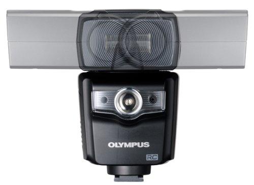 OLYMPUS『ミラーレス一眼用FL-700WR』