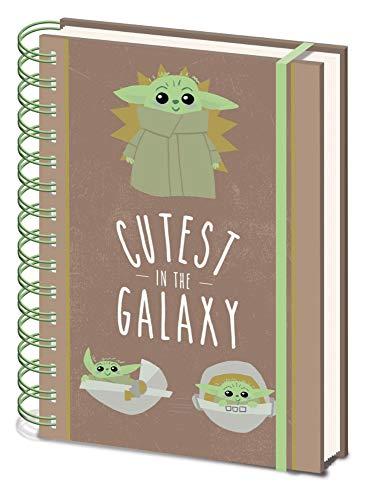 Empireposter Star Wars – The Mandalorian – Cutest in The Galaxy – Cuaderno en formato A5 – 15 x 21 cm