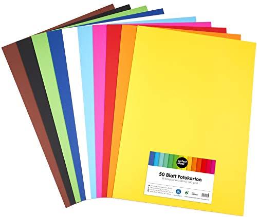 perfect ideaz 50 Blatt DIN-A2 Foto-Karton bunt, Bastel-Papier, Bogen durchgefärbt, 10 verschiedene Farben, 300g/m², Ton-Zeichen-Pappe zum Basteln, buntes Blätter-Set farbig, Plakat-Bedarf