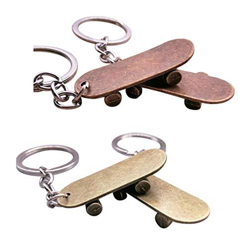 TOYANDONA 4pcs Llavero Colgante de Metal Mini Llavero de Skateboard Llavero Vintage Adorno de Llave de Coche para Hombre Mujer Billetera