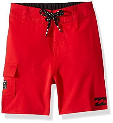 Billabong Little Boys' Classic Solid Boardshort, red, 6L
