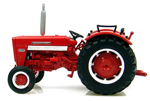 Universal Hobbies - UH6088 - Modélisme - Voiture - Tracteur IH MC Cormick 624