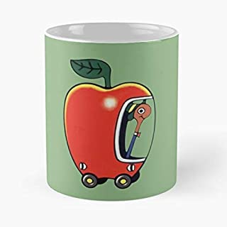 Lowly The Worm And His Apple Car Classic Mug - The Funny Coffee Mugs For Halloween, Holiday, Christmas Party Decoration 11 Ounce White-ghospell.