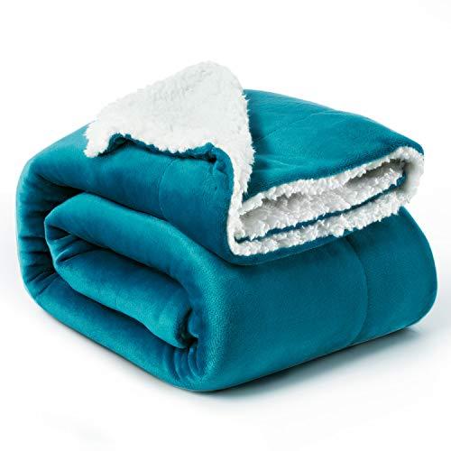 Bedsure Sherpa Decke Türkis hochwertige Wohndecken Kuscheldecken, extra Dicke warm Sofadecke/Couchdecke in zweiseitig, 150x200 cm super flausch Fleecedecke als Sofaüberwurf oder Wohnzimmerdecke