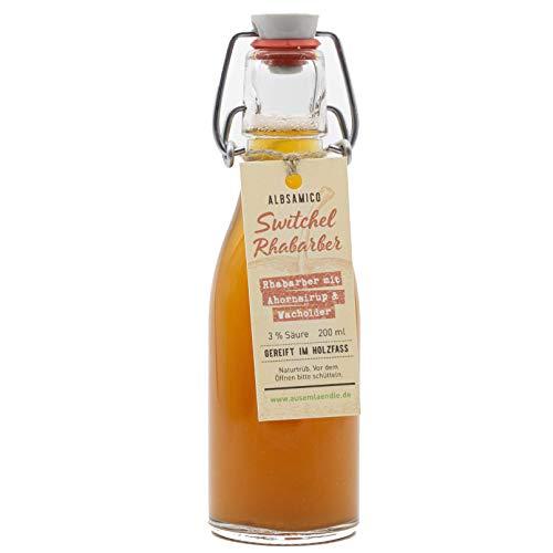 Switchel Rhabarber mit Ahornsirup & Wacholder - Essig-Getränk aus Apfelessig, Rhabarbersaft und Honig. Eingelegt in Wacholderholz, Wacholderbeeren & Wasser. Im Holzfass gereift.