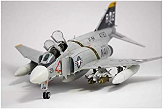 1/48 USN F-4J VF-84 Jolly Rogers 12305 with 3 Lifelike Pilot Figures - Plastic Model Kit