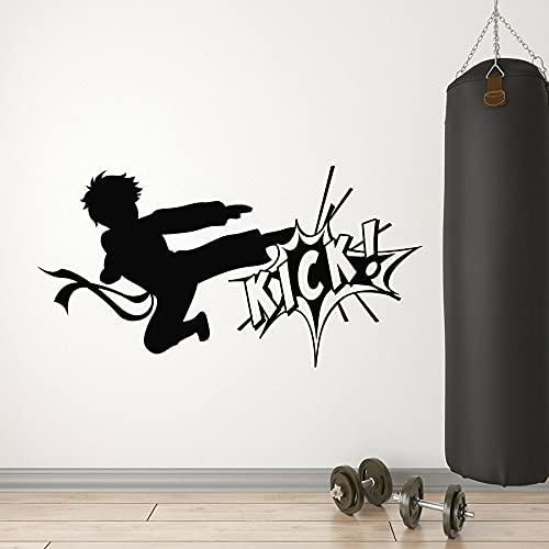 Calcomanía de vinilo para pared Karate Boy Fighting Kick Artes marciales Sport Club Decoración interior Ventana Pegatinas de vidrio Mural para habitación de adolescente A5 57 × 30CM
