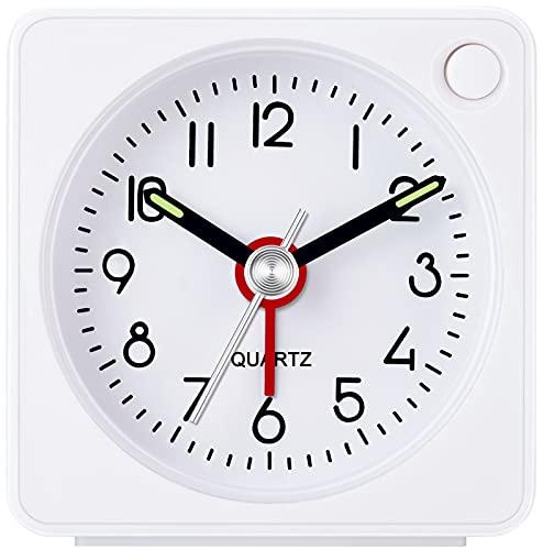 W OUTWIT Wecker Analog, Klassischer Analoger Reisewecker mit Schlummerfunktion und Licht, Mini Wecker, kompakte Größe, Wecker Ohne Ticken ruhiges Quarzuhrwerk, Crescendo-Alarm, Einfache Bedienung