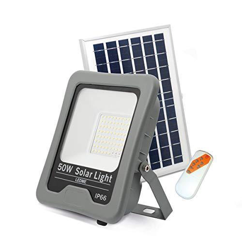 LEDUNI Foco LED Solar Exterior 50W Negro 4500LM IP66 Impermeable Luz Blanca 6000K Ángulo 120º Con Placa Solar y Mando Remote Jardín Patio Terraza Camping