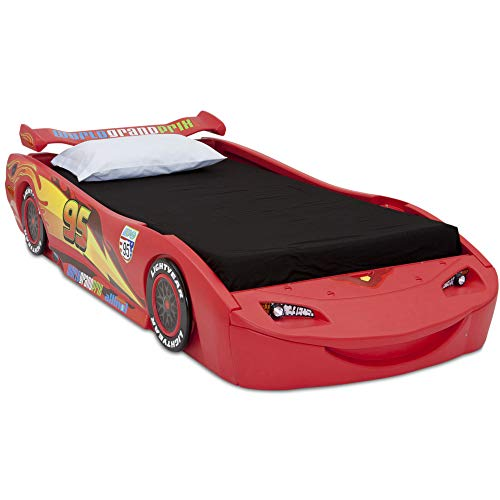 Disney/Pixar Cars Lightning McQueen Twin Bed with Lights ...