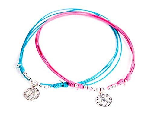 Kokomorocco Medalla comunión Virgen niña de Plata de Ley y Cuero, Collar Ajustable, Cuero Color Azul o Rosa; Regalo de cuentecito con la Leyenda de la Virgen niña (Azul) Regalos Originales