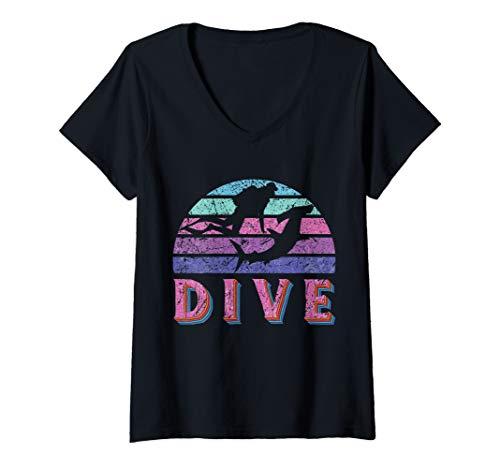 Damen Dive Hammerhead Shark Pink Purple Retro Scuba Diving Sharks T-Shirt mit V-Ausschnitt