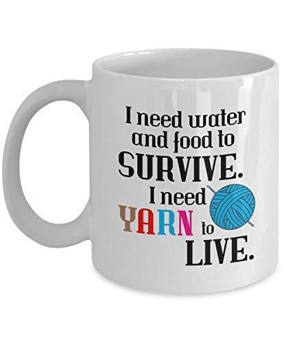 N\\A Strickkaffeetasse Ich Brauche Wasser und Nahrung, um zu überleben Ich Brauche Garn, um Spaß zu Leben Geschenk für Stricker Frau Mutter Großmutter Großmutter Ker