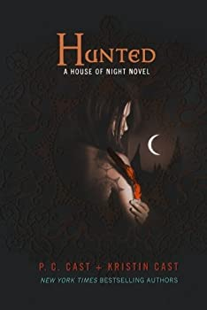 Paperback Hunted : A House of Night Novel Book