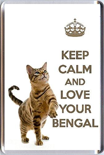 Preisvergleich Produktbild Keep Calm and Love Your Bengal Kühlschrankmagnet mit einem Bild von einem niedlichen Bengal Cat. Eine einzigartige Geburtstag oder Weihnachten Strumpffüller Geschenk für einen Bengal Cat Lover.