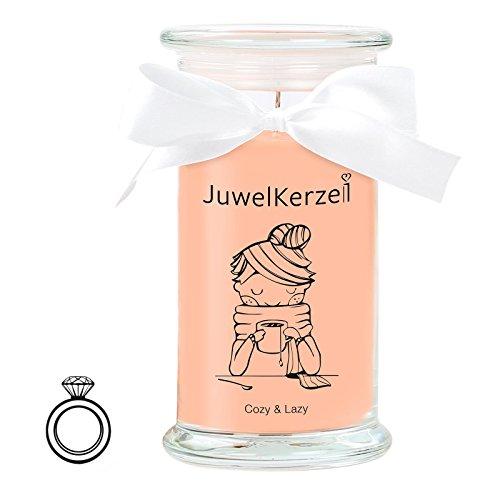 JuwelKerze Cozy & Lazy - Kerze im Glas mit Schmuck - Große braune Duftkerze mit Überraschung als Geschenk für Sie (Silber Ring, Brenndauer: 90-120 Stunden)(S)