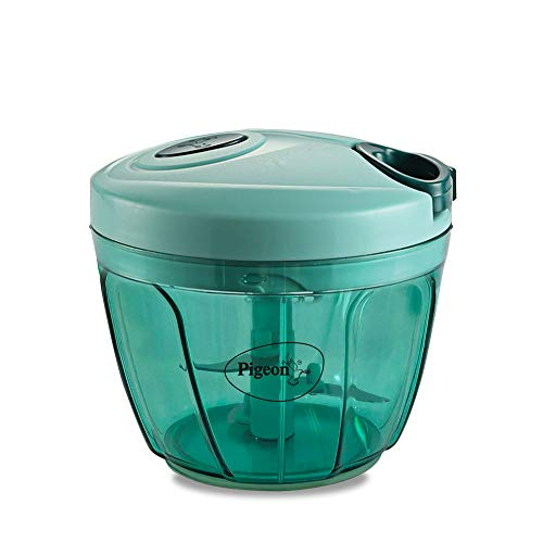Pigeon Large Handy and Compact Chopper, (650 ml) with 3 blades for effortlessly chopping vegetables and fruits for your kitchen, (14298)
