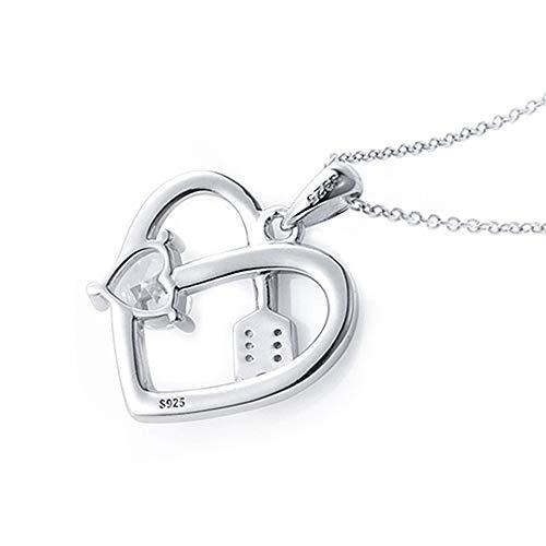 Colgante Corazón Flecha para mujer en Plata de Ley 925 Real y Circonita. Representa un corazón con la flecha de Cupido. Ideal para regalo romántico a tu novia