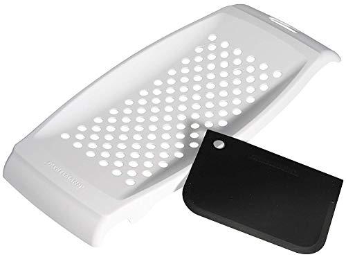 FACKELMANN Spätzlereibe mit Teigschaber, Spätzlehobel aus Kunststoff, Spätzlepresse mit Teigkarte (Farbe: Weiß), Menge: 1 Stück