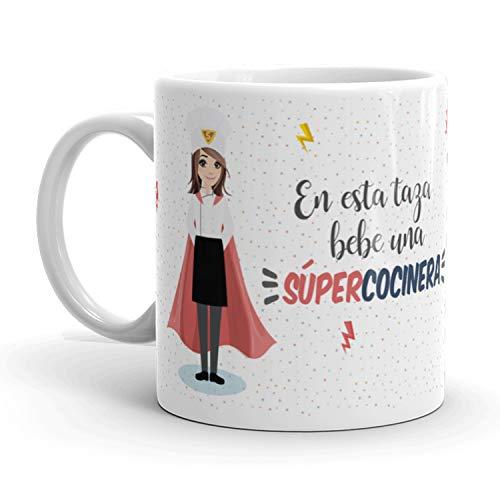 Kembilove Taza de Café Cocinera – En Esta Taza Bebe un Súper Cocinera – Taza de Desayuno para la Oficina – Taza de Café y Té para Profesionales – Taza de Cerámica Impresa – Tazas de 350 ml