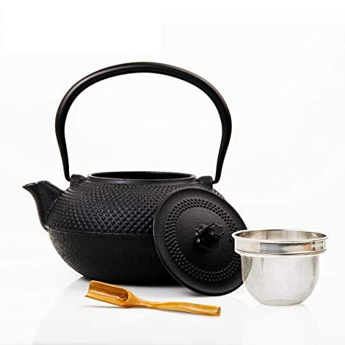 Lumaland Tee Kanne im Asia Hobnail Design 1 x gusseiserne Teekanne (1,4 Liter) 1x Bambus Dosierlöffel 1 x Edelstahlsieb