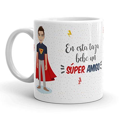 Kembilove Taza de Café para Amigo – Aquí Bebe un Super Amigo – Taza de Desayuno para Familia – Regalo Original para Familiares, Navidad, Amigos – Taza de Cerámica de 350 ml