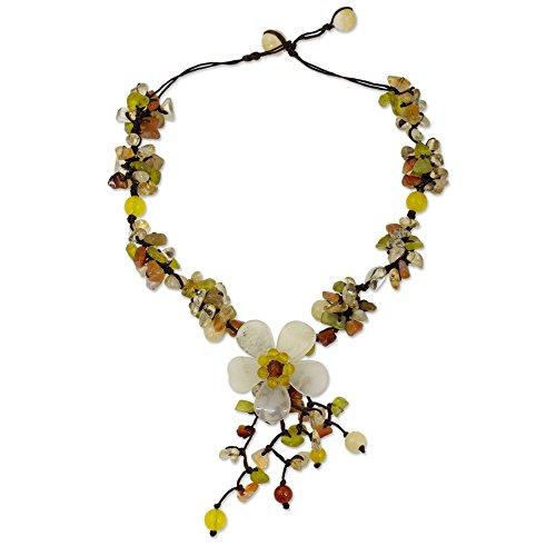 NOVICA Mujeres Collar de Perlas de Cuarzo, 15.25' 'Deslumbrante Bloom'